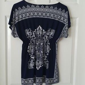 Julie's Closet/Maternity/, Navy/White top, size S